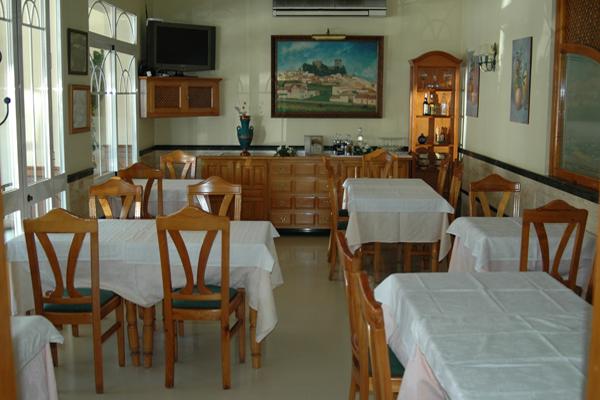 http://www.elcary.com/restaurante//imagenes_photobox//COMEDOR-CHIQUITO.png