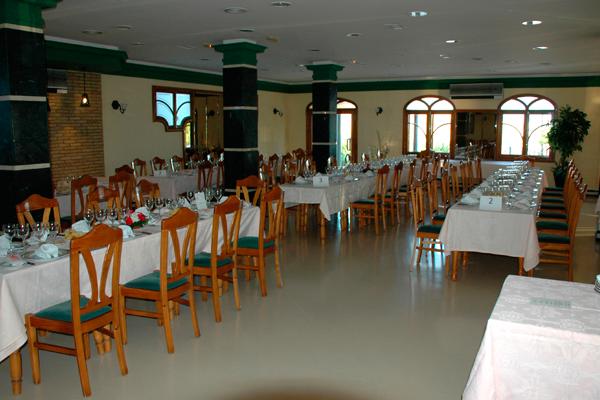 http://www.elcary.com/restaurante//imagenes_photobox//MONTAJE.png